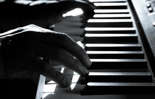 Should Piano Keys Be Covered?